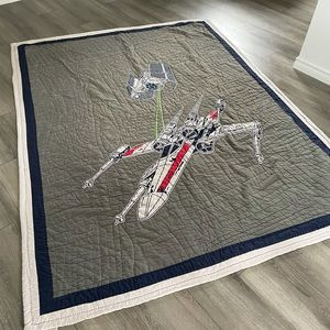 Pottery Barn Kids Star Wars Bed Quit